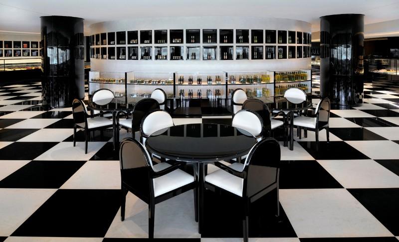 Armani-Deli-Burj-Khalifa-Dubai-Armani-Hotel