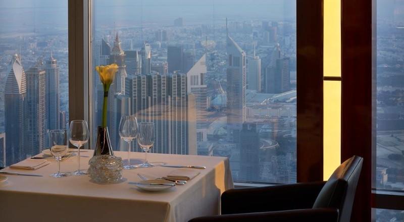 At.mosphere-Dubai-Burj-Khalifa-3