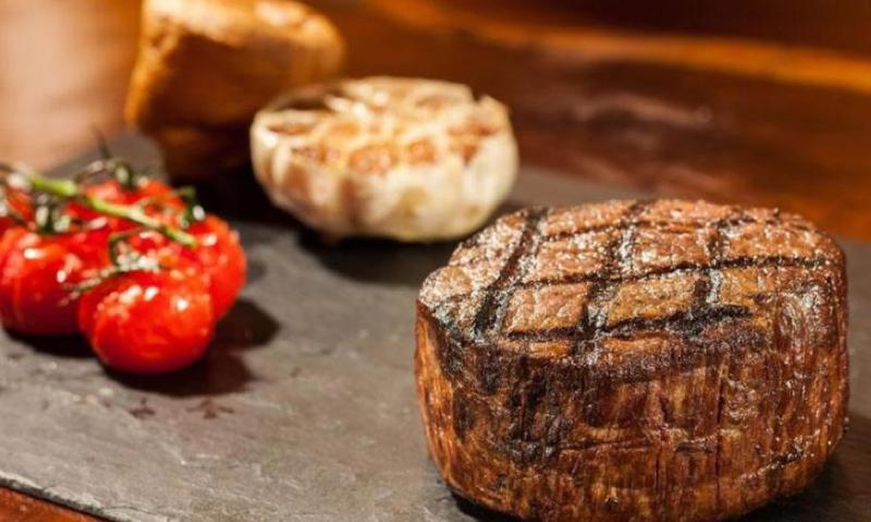 Seafire-Steakhouse-Dubai-Christmas-Dinner