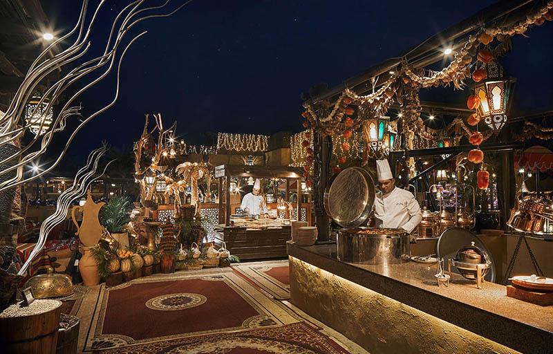 Bab-Al-Shams---Al-Hadheerah-Restaurant---Live-Cooking-Stations