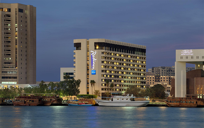Brunchtopia-at-Radisson-Blu-Dubai-Deira-Creek