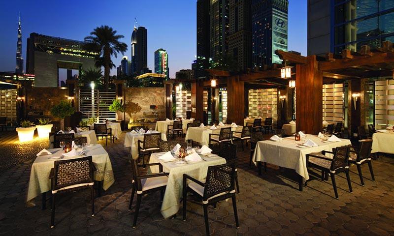 al-nafoorah-jumeirah-emirates-towers-trade-center-area-restaurant-1