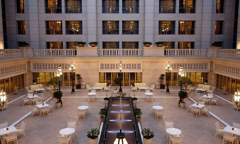 le-patio-the-st-regis-dubai-business-bay-restaurant-3