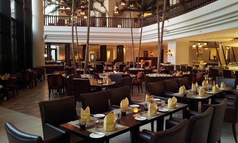 saraya-sofitel-zallaq-restaurant-4