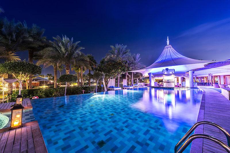 The-Ritz-Carlton--Dubai---La-Baie-lounge-4-1