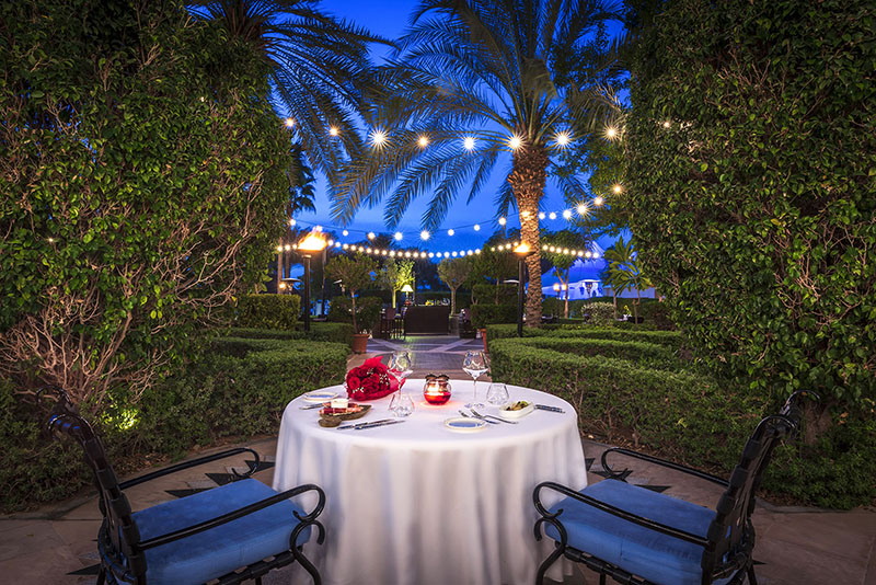 The-Ritz-Carlton--Dubai---Spendido---Valentines-Romantic-Table-Set-Up