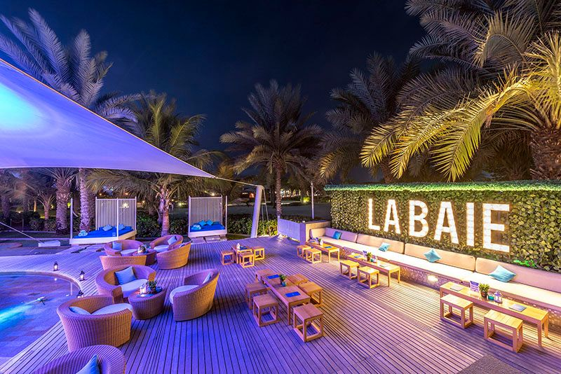 The-Ritz-Carlton--Dubai---La-Baie-lounge-1