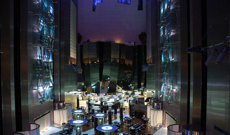 cascades-fairmont-hotel-trade-centre-area-