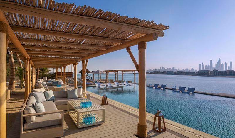 white-beach-atlantis-the-palm-palm-jumeirah-